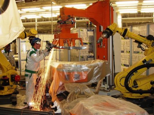 Škoda übergibt Schweißanlagen an Werk in Kaluga