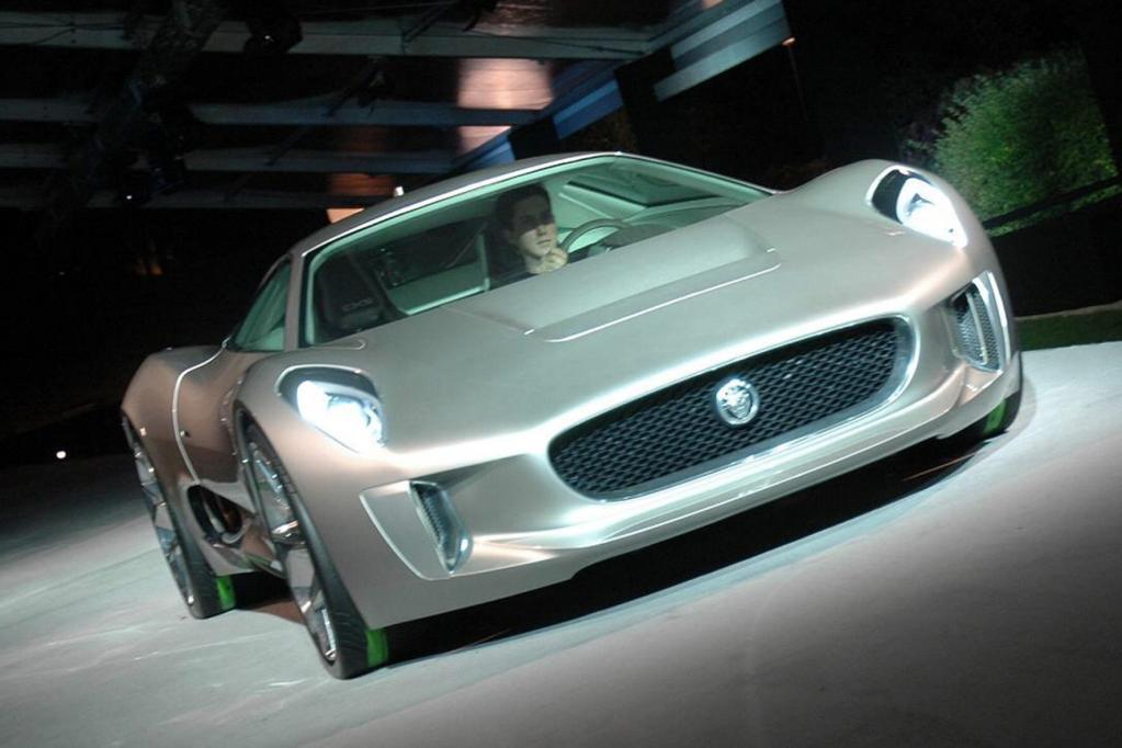 Auch Zukunftssportwagen wie der Jaguar C-X 75 sind in L.A. zu sehen.