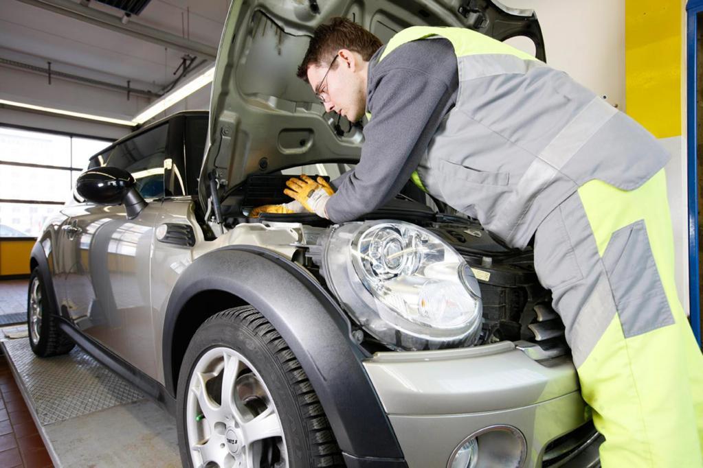 Auch die Pannenhelfer beispielsweise beim ADAC müssen geschult werden, um Elektroautos kompetent und sicher helfen zu können.