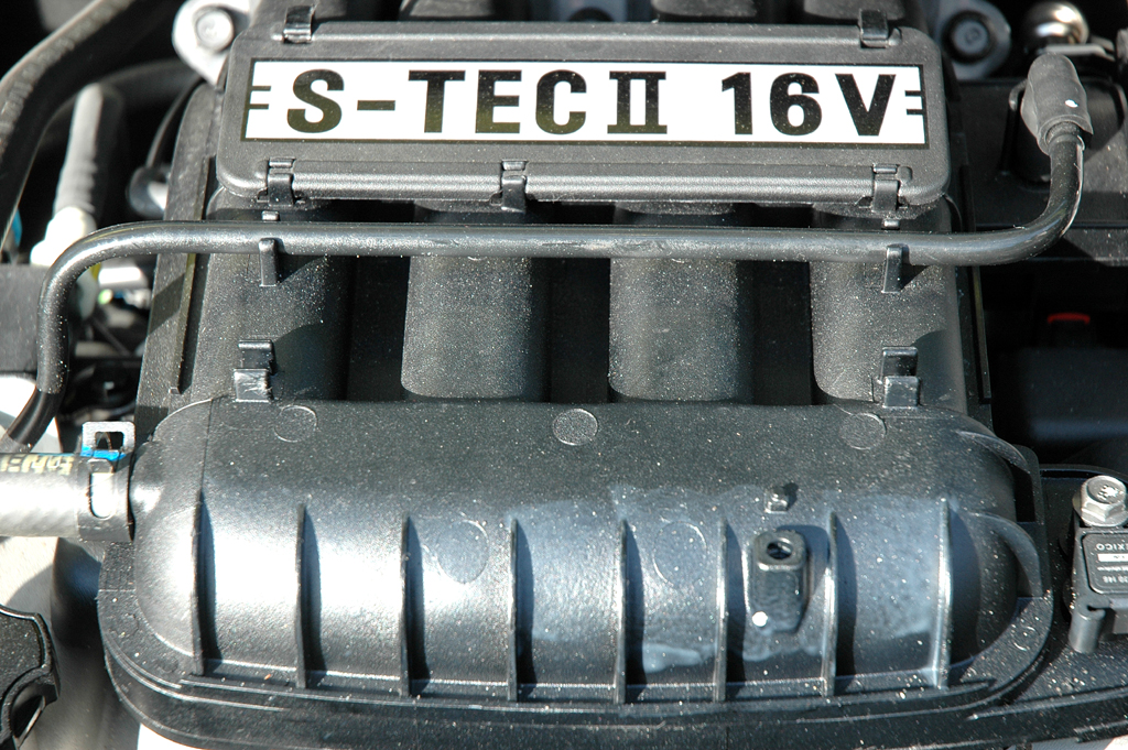 Chevrolet Spark: Blick unter die Motorhaube des 1,2-Liters mit 16 Ventilen.