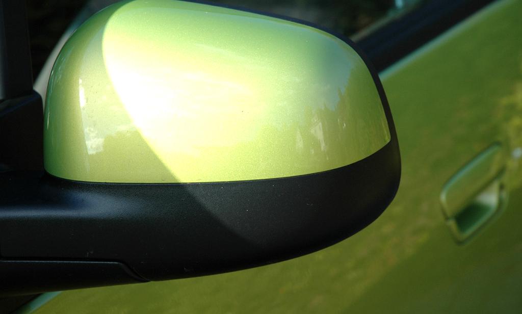 Chevrolet Spark: Die Außenspiegel sind unten schwarz abgesetzt.