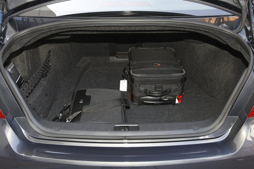 Das Kofferraumvolumen ist beim Diesel jedoch etwas kleiner als beim Benziner.