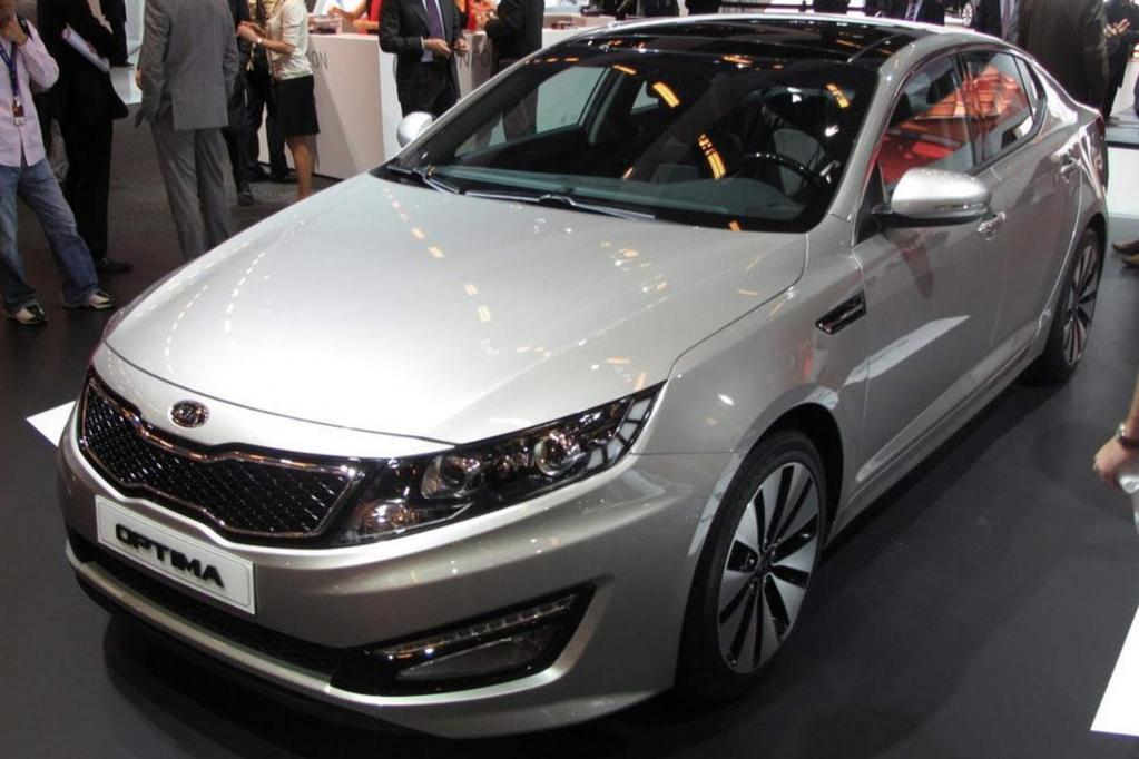 Der Kia Optima wird in Los Angeles erstmals als Hybridversion ausgestellt.