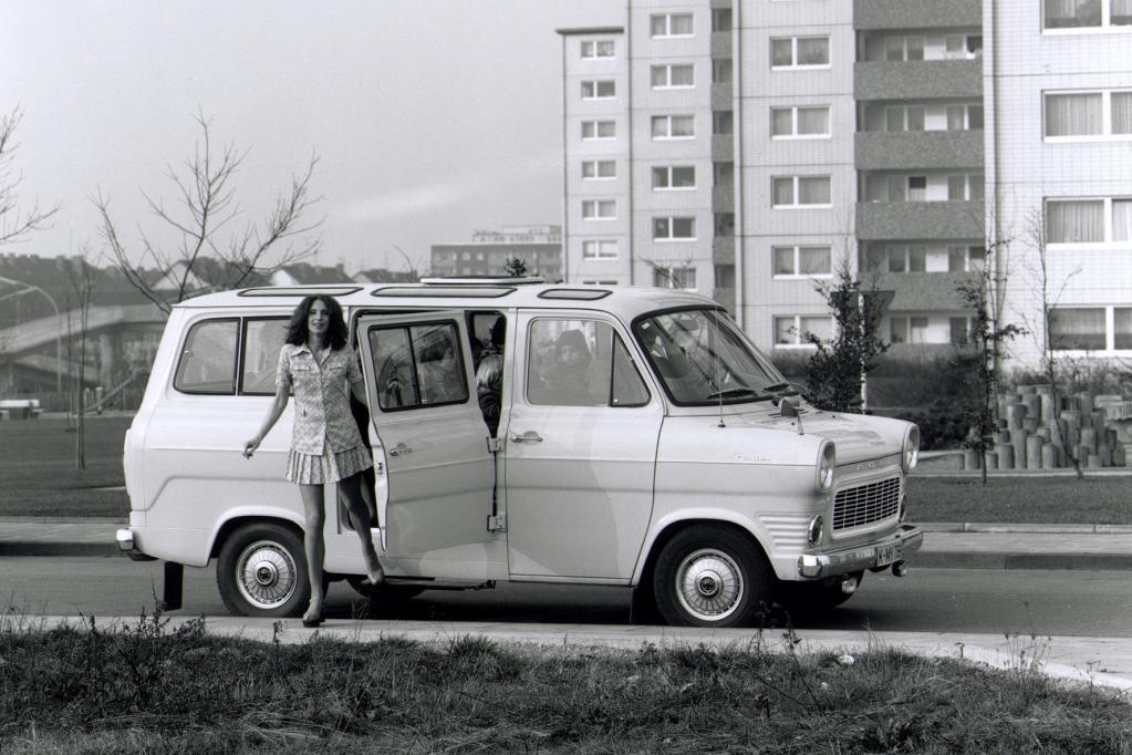 Der Transporter war von Anfang an auch als Kleinbus zu haben.