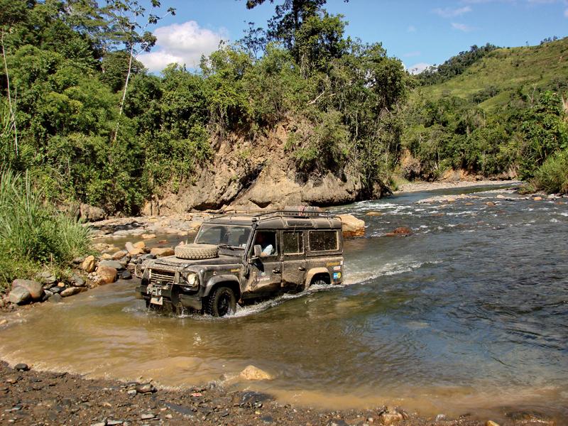 """Die """"Land Rover Experience Tour 2011"""" führt im Defender durch Bolivien."""