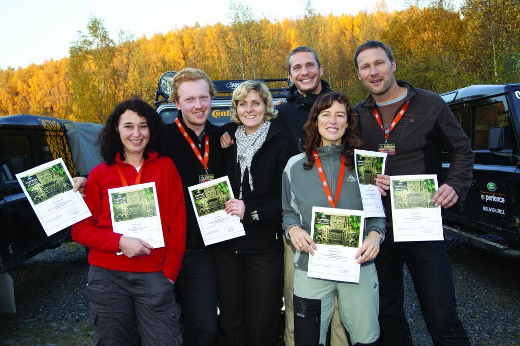 """Die Teilnehmer der """"Land Rover Experience Tour 2011""""."""