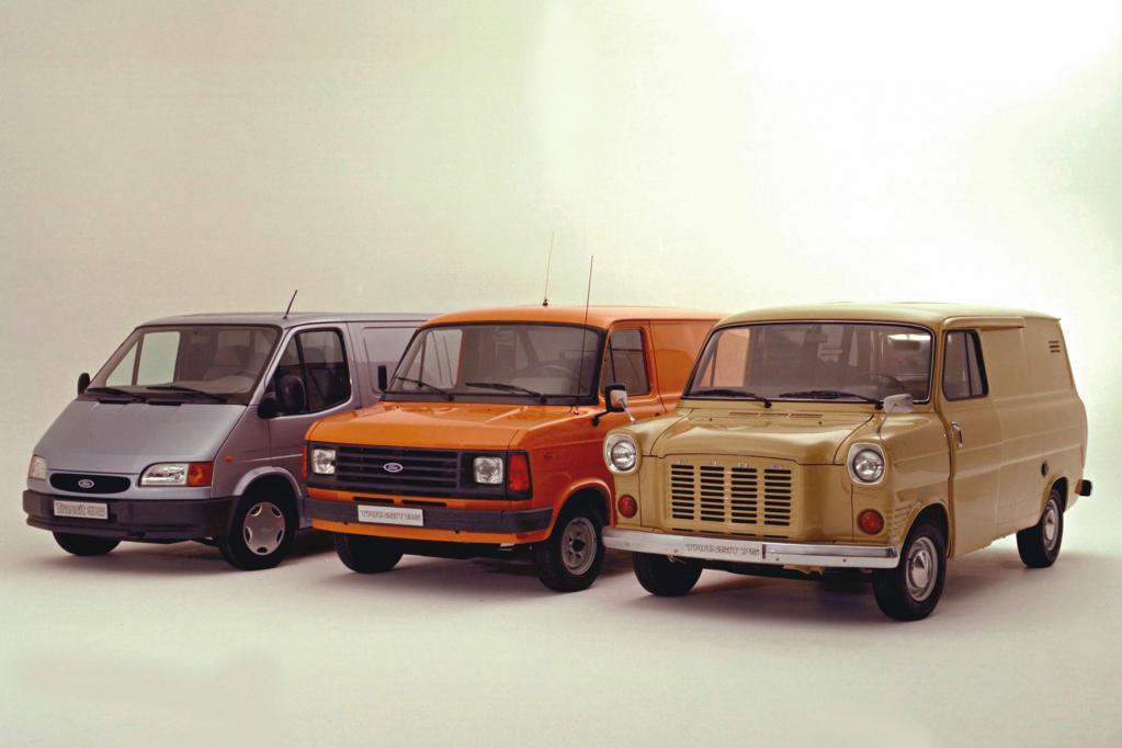 Drei Transit-Generationen auf einem Bild.