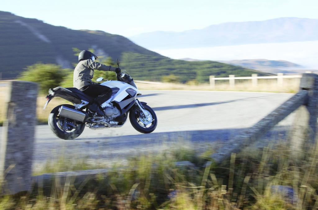 EICMA 2010: Honda präsentiert die Crossrunner
