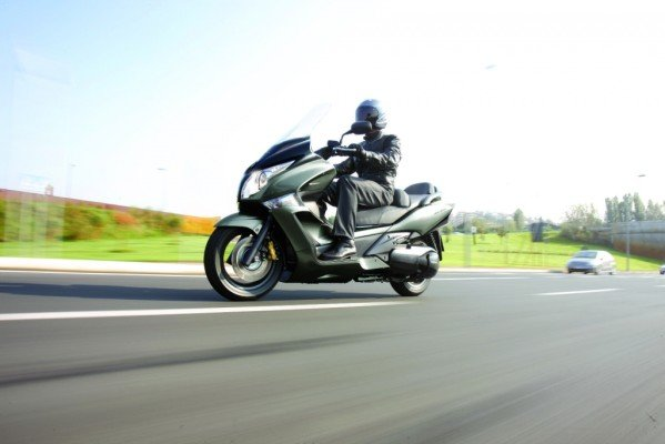 EICMA 2010: Honda zeigt SW-T 600