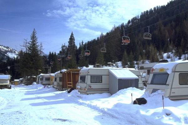 Eisige Campingfreuden