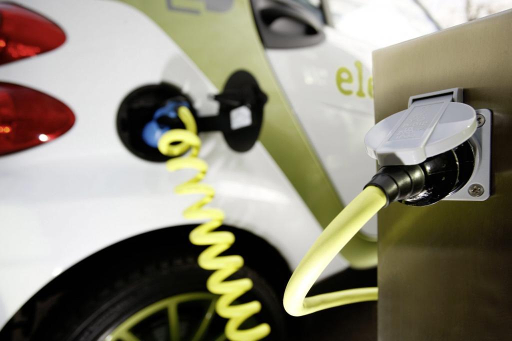 Elektroauto-Umfrage - Jugend unter Strom
