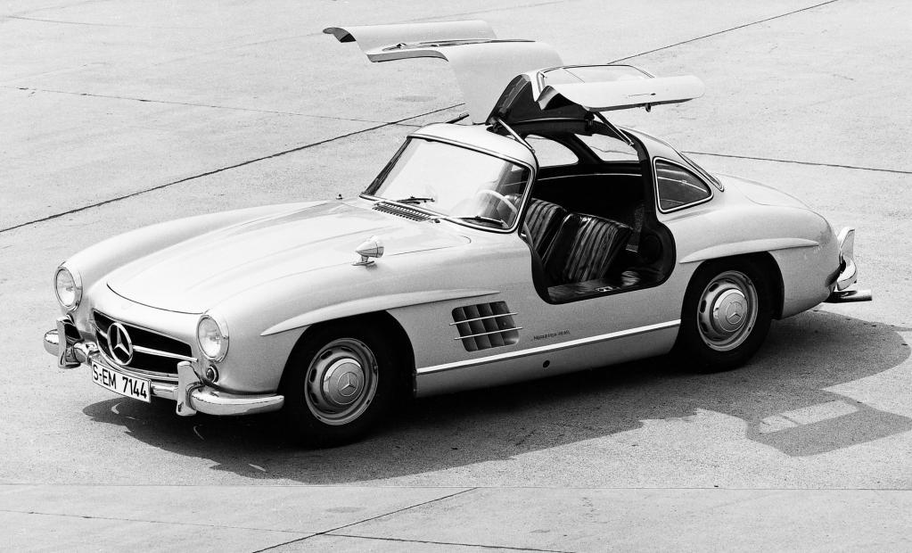 Für einen Mercedes 300SL Flügeltürer kostet selbst in einem schlechten Zustand 500 000 Euro.
