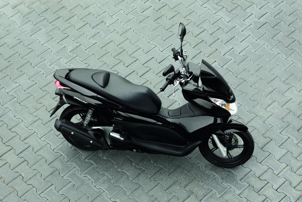 Fahrbericht Honda PCX: Spar-Roller mit hohem Spaß-Potenzial