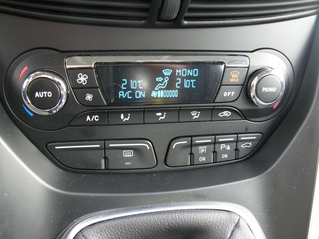 Ford Herbst-Regionaltour 2010: Harte Zeiten für Touran und Co. – Ford C-Max und Grand C-Max mit 500 Euro Preisvorteil