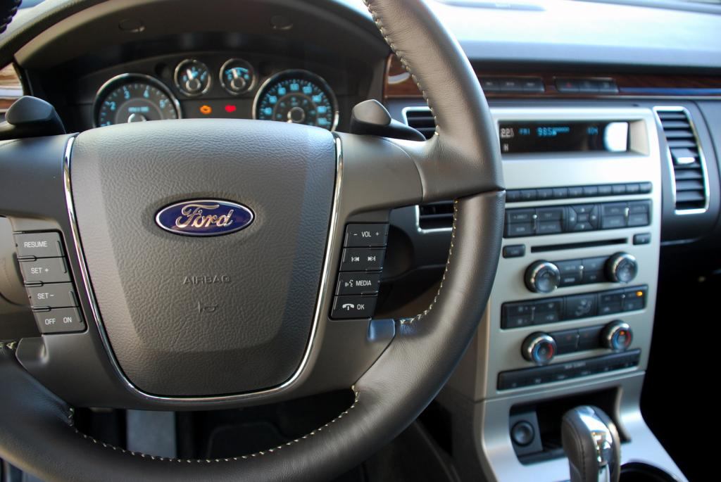 Geigercars bietet den Ford Flex an