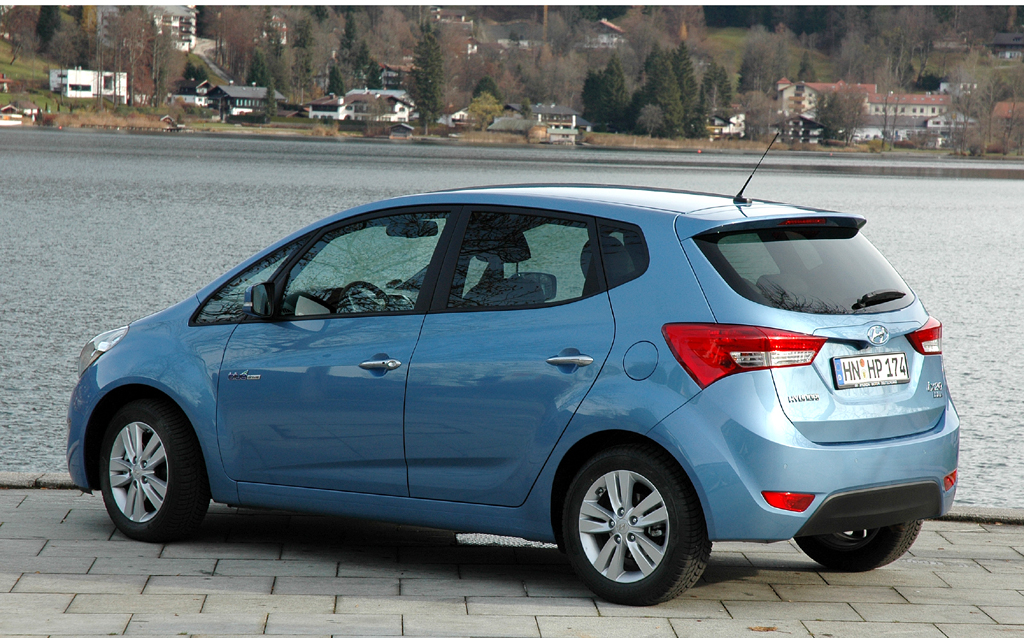 Hyundai ix20: Heck-/Seitenansicht.