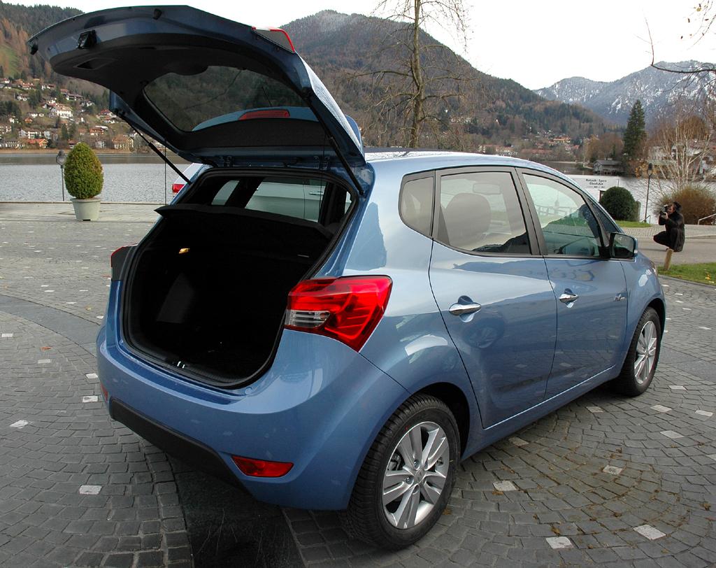 Hyundai ix20: In den Kofferraum passen 440 bis 1486 Liter Gepäck hinein.