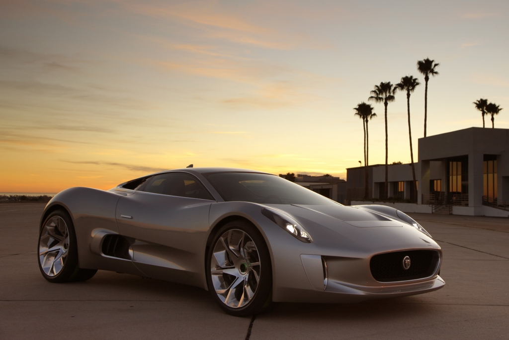 Jaguar C-X75 - Düsenjäger auf dem Boulevard der Träume
