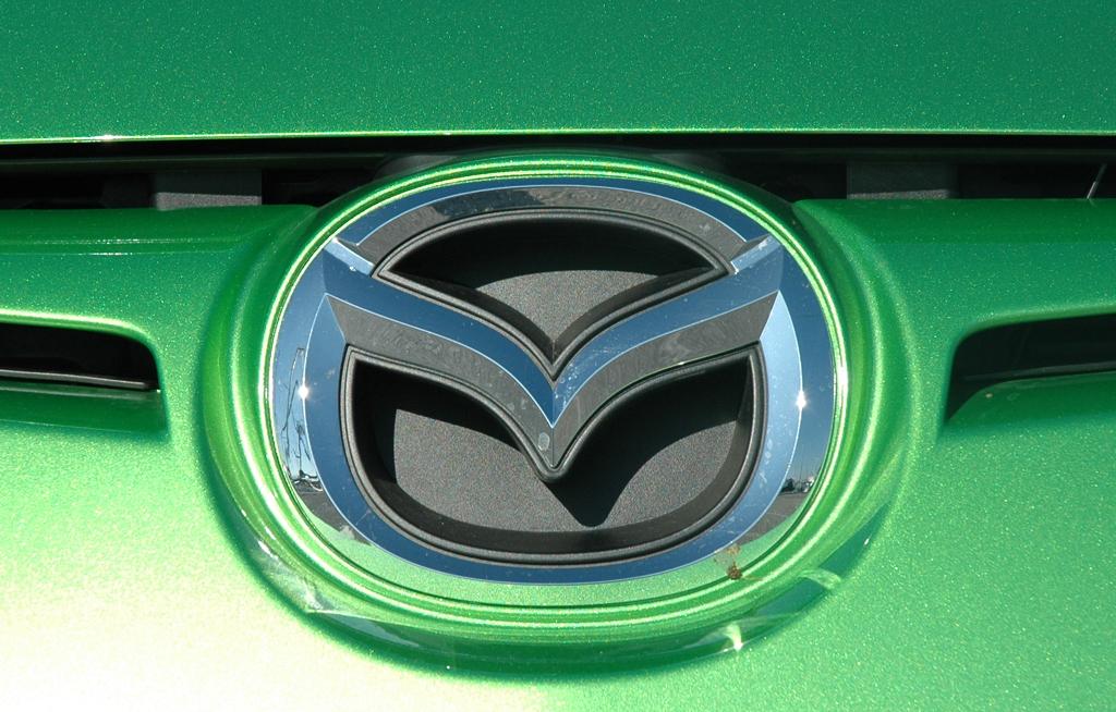 Mazda2: Das Markenlogo vorn sitzt oben im kleineren Kühlergrill.