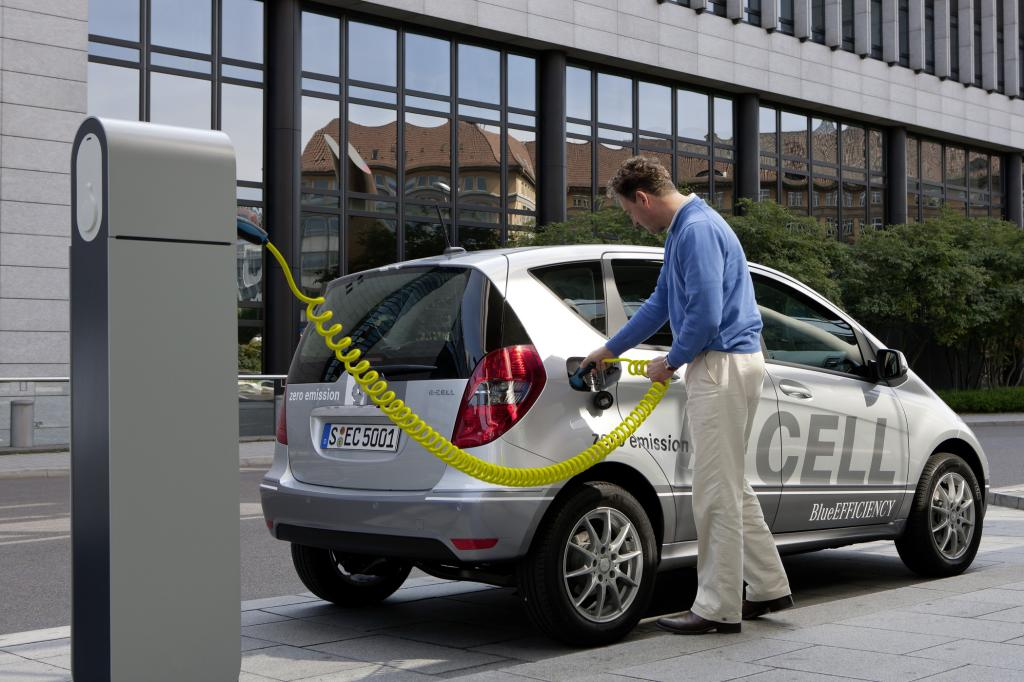 Mercedes-Benz A-Klasse E-Cell - Stern unter Strom