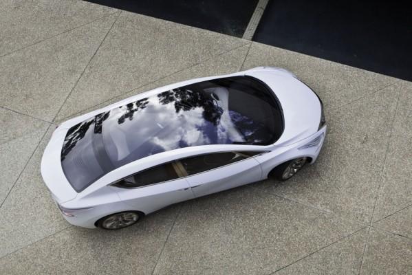 Nissan Ellure Concept - Stufenhecklimousine mal anders