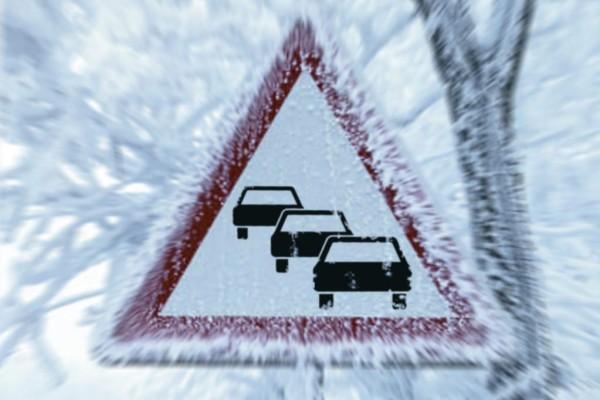 Ratgeber: Richtiges Verhalten im winterlichen Verkehrsstau