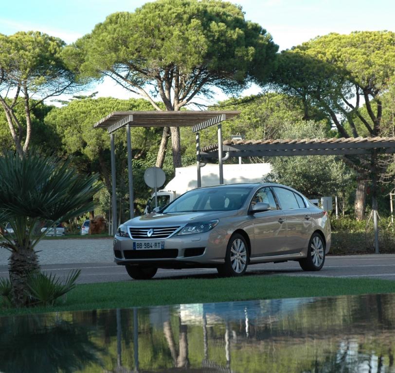 Renault Latitude: Bei der Präsentation im portugiesischen Cascais.