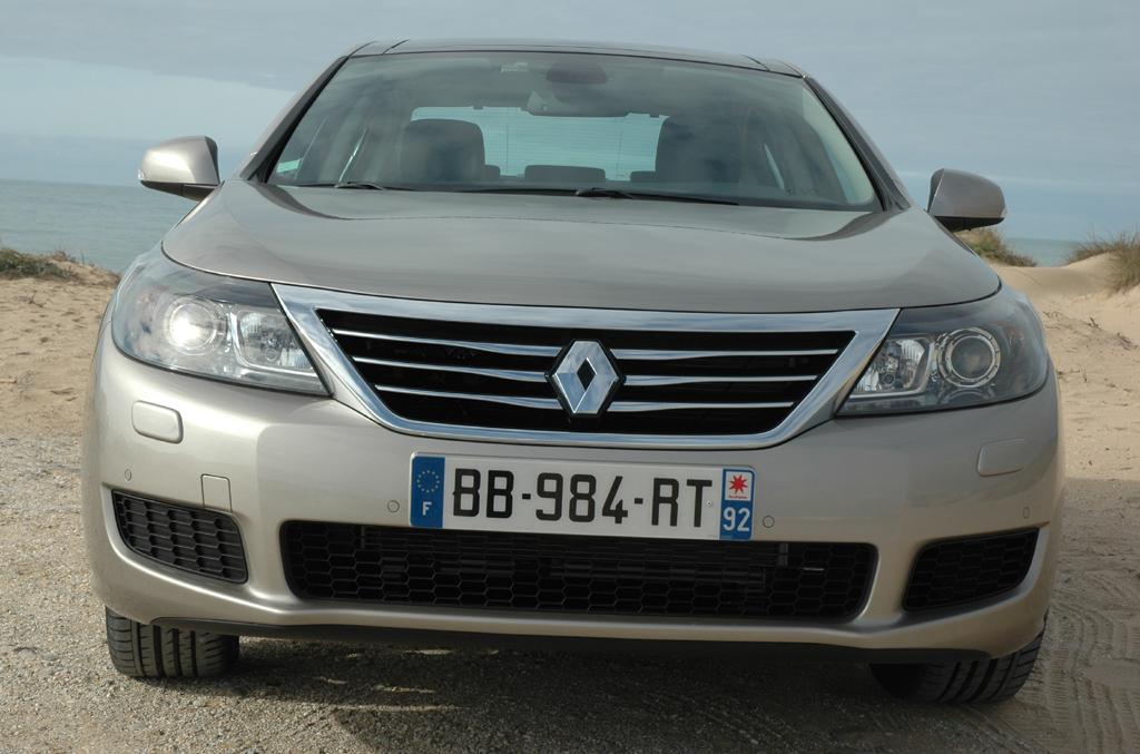 Renault Latitude: Blick auf die Frontpartie.