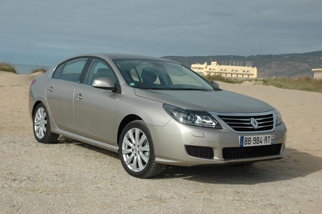 Renault Latitude: Die in Korea gefertigte Limousine wirkt asiatisch angehaucht.