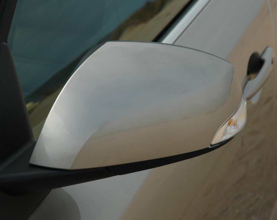 Renault Latitude: In die Außenspiegel sind Blinkleuchten integriert.