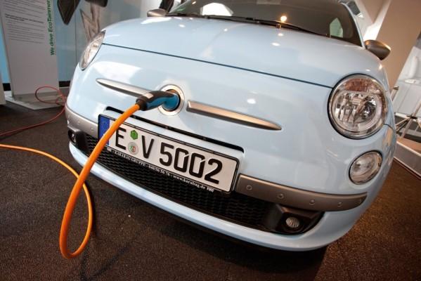 SB LiMotive liefert Batterien für den Fiat 500EV
