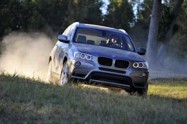 Seie US-Premiere feiert auch der ganz frische BMW X3, der nicht mehr aus Graz angeliefert wird, sondern nunmehr im US-amerikanischen Spartanburg produziert wird.