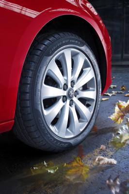 Sicher durch die kalte Jahreszeit! Mit auto.de und Opel gut gerüstet für Herbst und Winter. Tipp 2: Vorausschauend fahren!