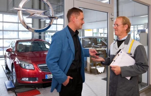 Sicher durch die kalte Jahreszeit! Mit auto.de und Opel gut gerüstet für Herbst und Winter. Tipp 3: Rechtzeitig zum Technik-Check!