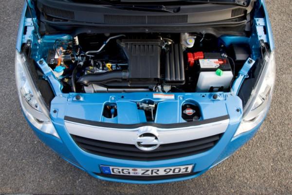 Sicher durch die kalte Jahreszeit! Mit auto.de und Opel gut gerüstet für Herbst und Winter. Tipp 5: Unter Strom bleiben!