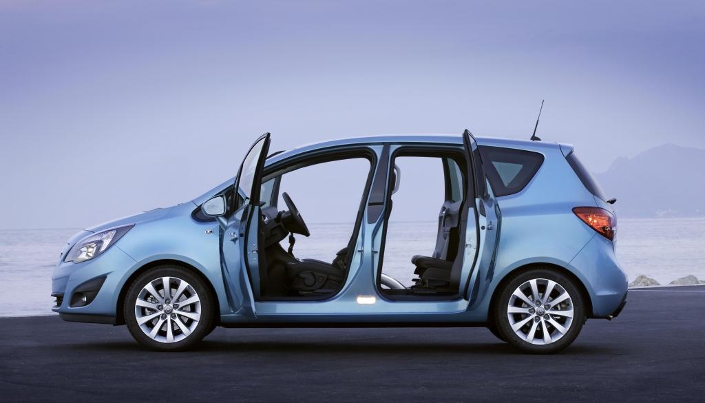 Sicher durch die kalte Jahreszeit! Mit auto.de und Opel gut gerüstet für Herbst und Winter. Tipp 6: Pflegemittel sinnvoll einsetzen!