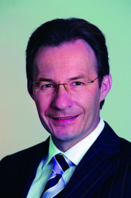 Universität Stuttgart verleiht Ehrendoktorwürde an Michael Macht