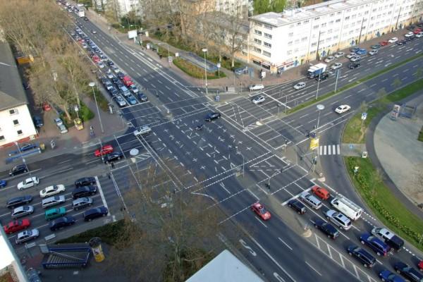 Verkehrsrecht - Asphaltmarkierungen sind Verkehrszeichen