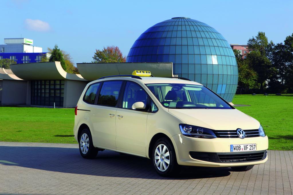Volkswagen Sharan als Taxi.