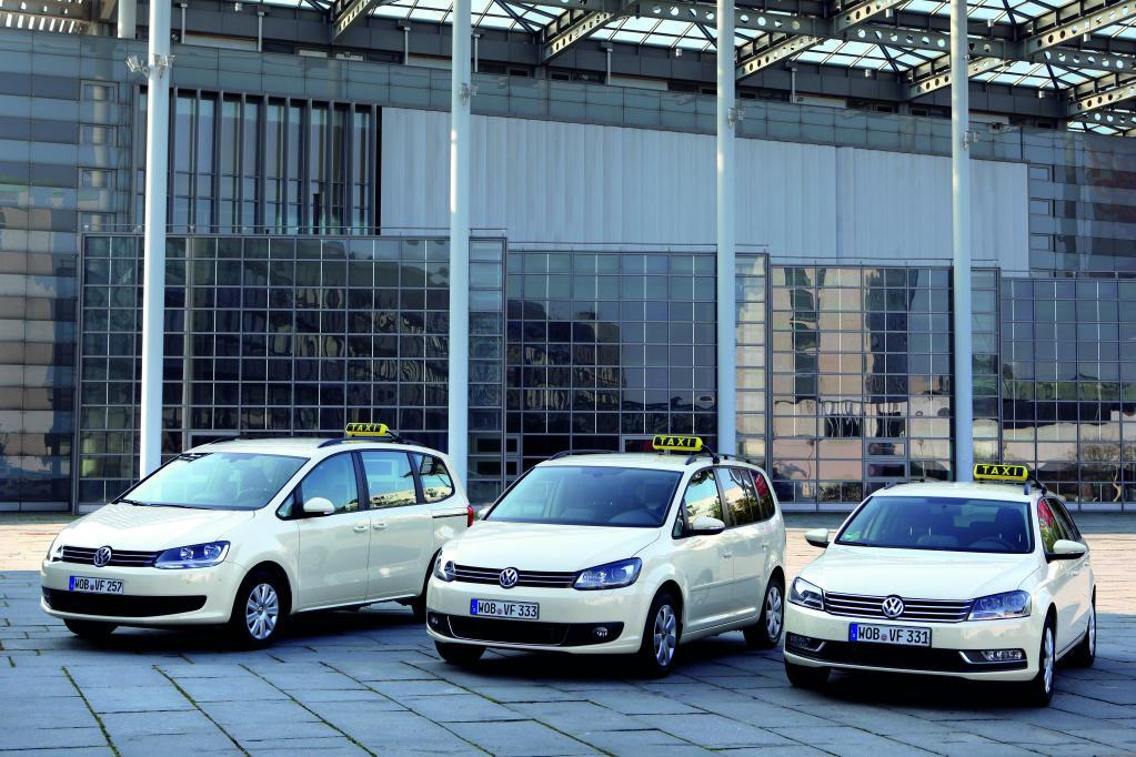 Volkswagen ist mit drei neuen Modellen auf der Taximesse.
