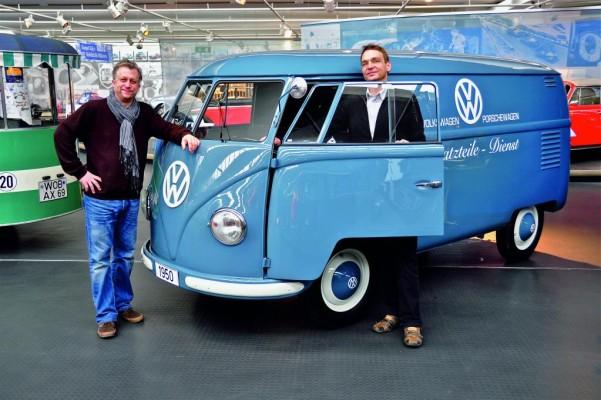 Volkswagen zeigt Bulli aus dem ersten Baujahr