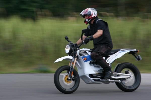 Zero zeigt im Internet die Reichweite seiner Elektromotorräder