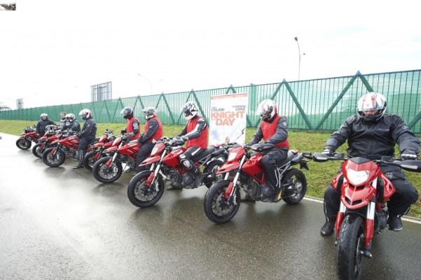 """auto.de anlässlich des Blu-ray & DVD-Starts von """"Knight and Day"""" bei Ducati-Event in Italien"""