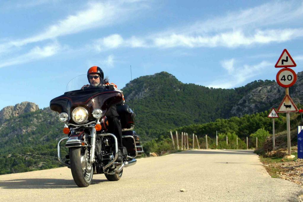 Auch die Harley Electra Glide Classic verfügt nun über moderne Technik, serienmäßig gibt es nun ABS.