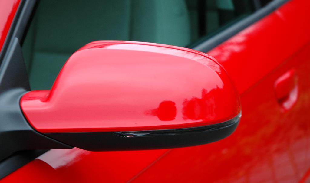 Audi A3 Diesel: Blick auf den nach unten schwarz abgesetzten Außenspiegel.