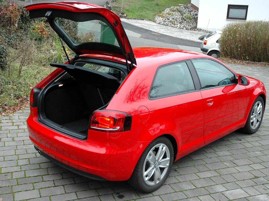 Audi A3 Diesel: In den Kofferraum passen 350 bis über 1050 Liter Gepäck.