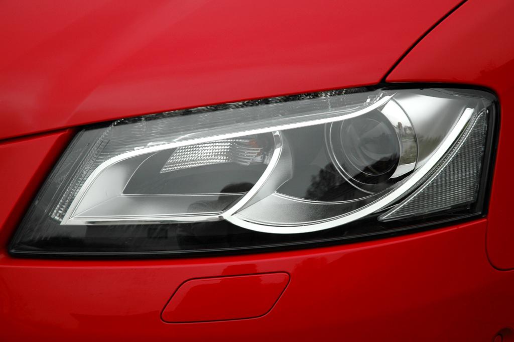 Audi A3 Diesel: Moderne Halogen-Leuchteinheit vorn.