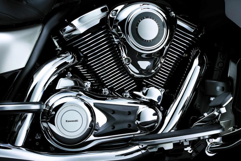 Augenweide: der mächtige Kawasaki V2.
