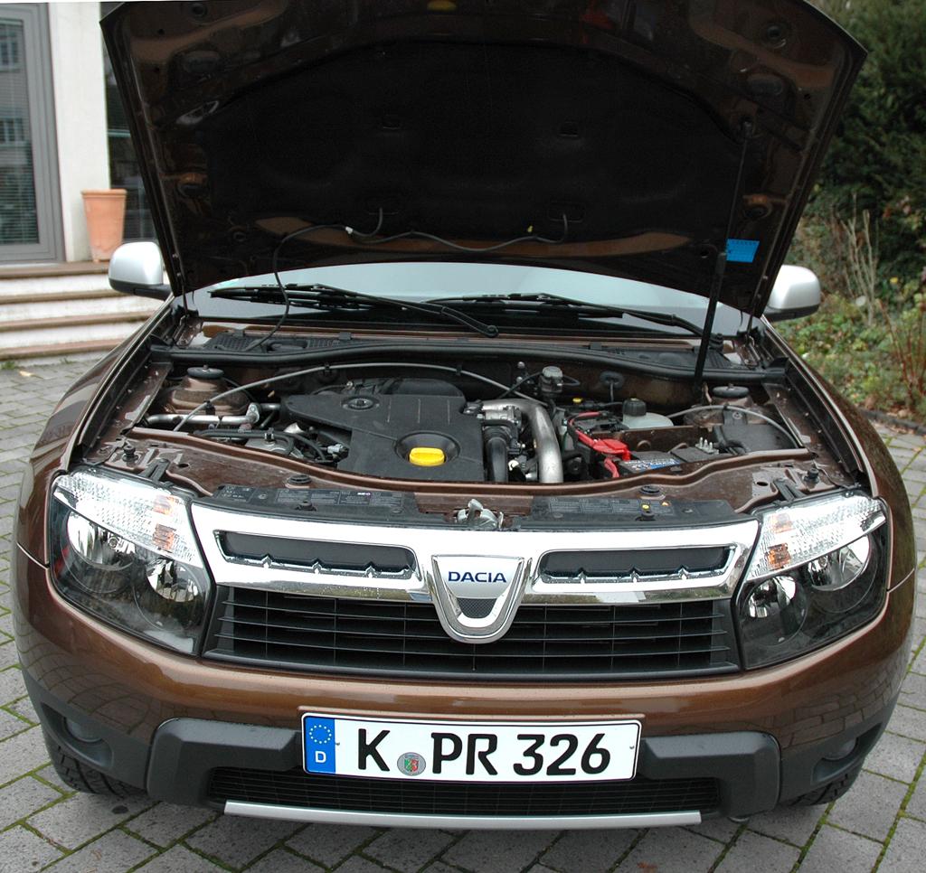Dacia Duster: Blick unter die Motorhaube des Vierzylinders aus dem Renault-Regal.