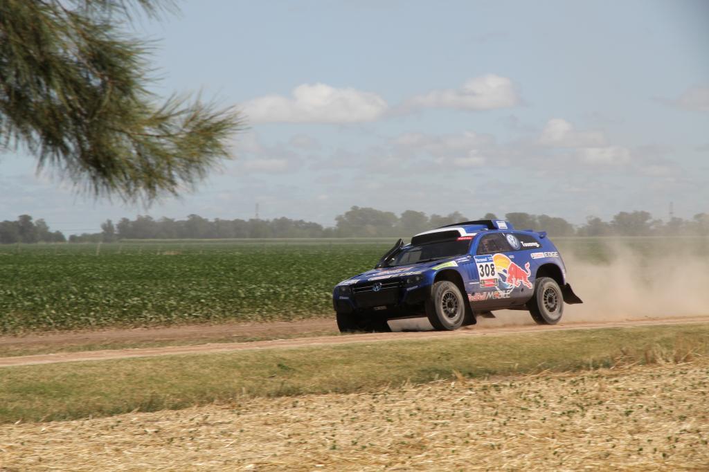 Dakar 2011: Letzter Test für die Volkswagen Race Touareg